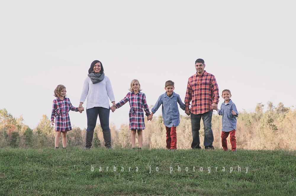 bjp-family-photographer-kids-siblings-blended-brothers-sisters-fall-mini-sessions-children-love-rachel17.png