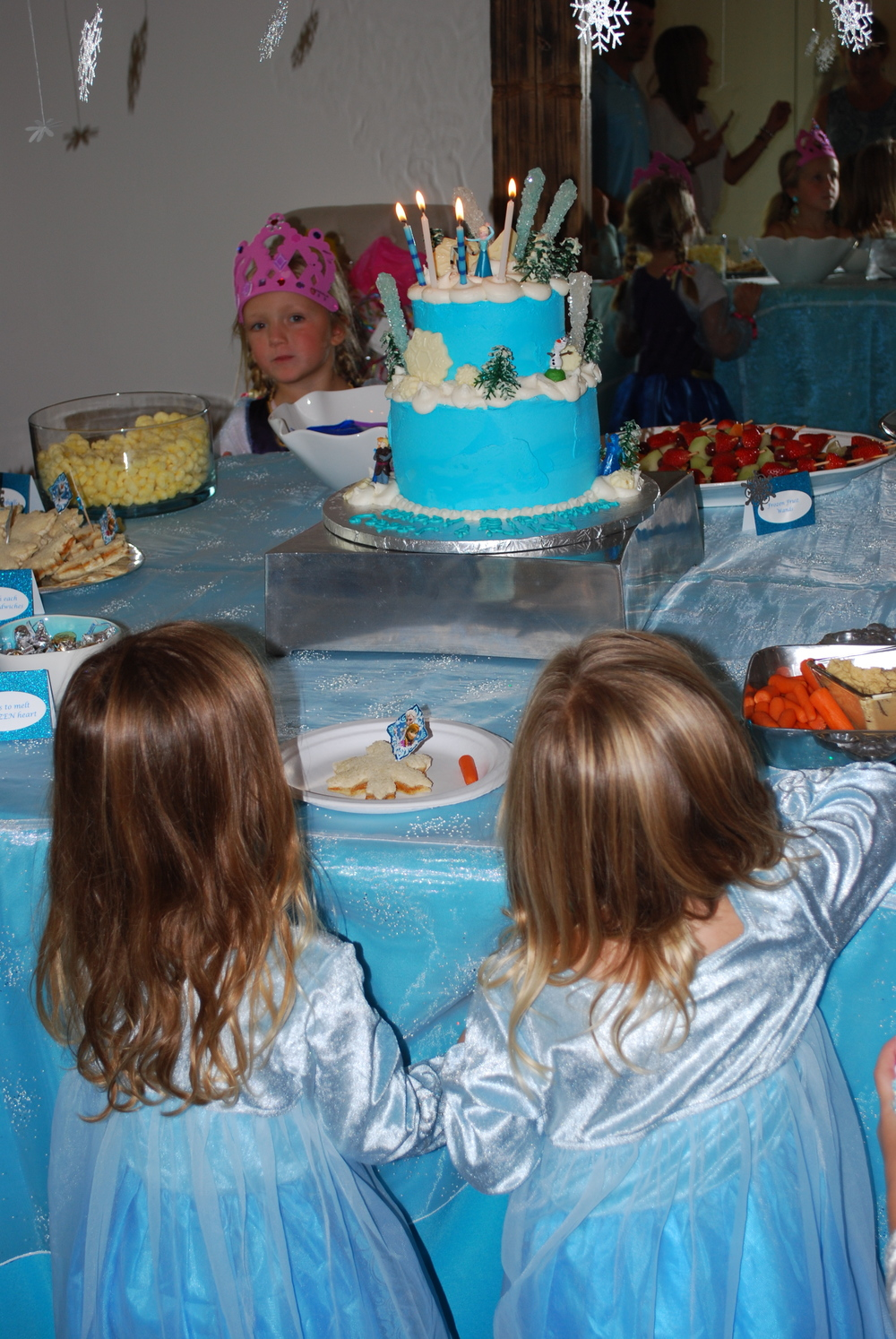 The girls were so excited about the cake!