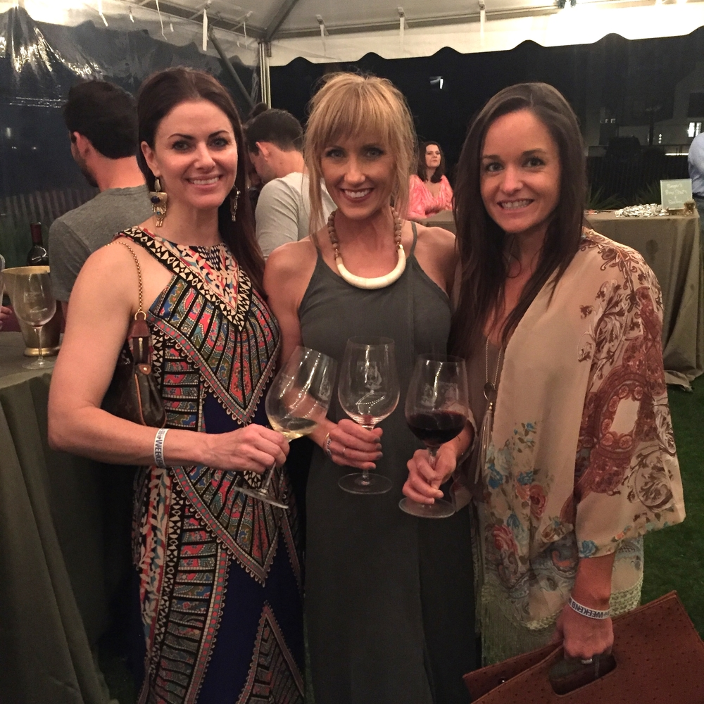 Found my stylish, local friends - Stephanie and Brooke. The Grand Tasting was super fun!