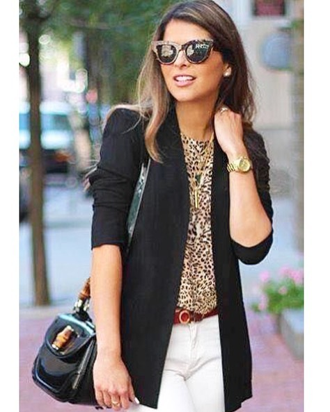 "Happy first day of Fall!🍁 What's your go to Fall look?  Blazers for me! 🙋🏼‍♀️ Anyone questioning if you can wear white denim after Labor Day.... here is a great example of how to do it!  Love the mix of the ""IT TREND""... Animal Prints🐆❤️! Let us know your fav fall look! 🍁🍂🍁 #wardrobemadesimple  #fallfashion #whitedenim #personalstylist #doesitbringyoujoy #closeteditor #shopyourcloset  #findyourownchic  #30astyle #wardrobeconfidencebuilder #personalshopper"