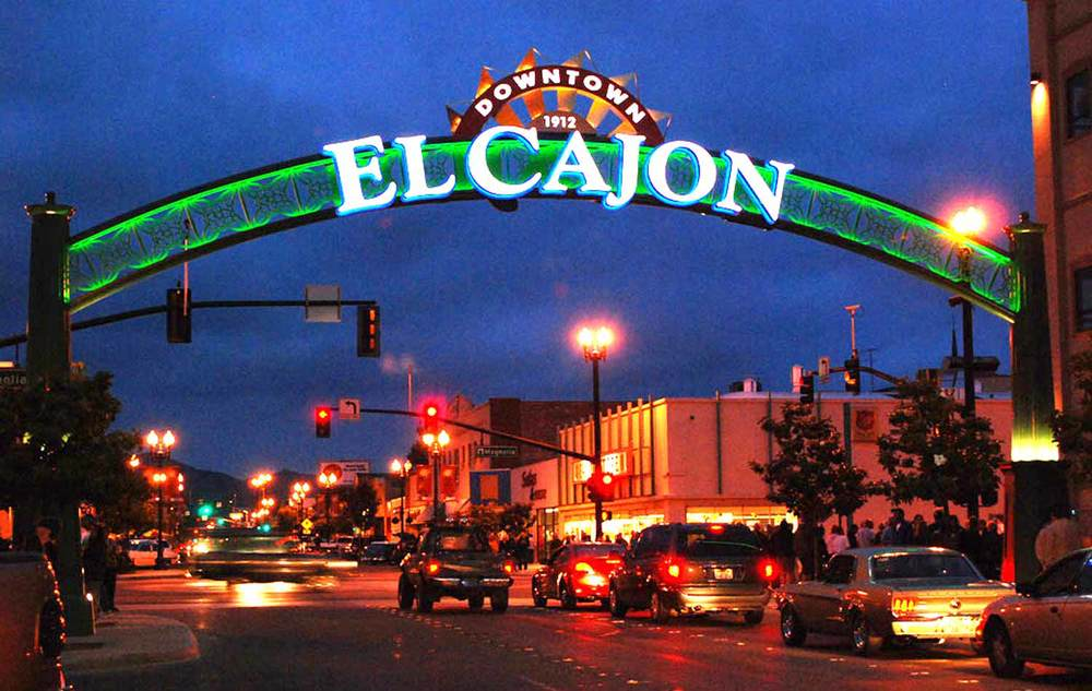 El_Cajon_gateway_night.jpg