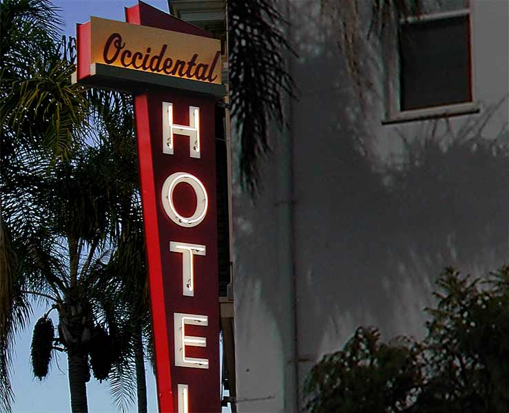 hospitality_hotel_occidental_dusk.jpg