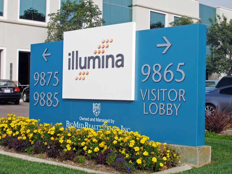 office_illumina_directional_entry.jpg