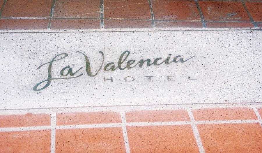 hospitality-la-valencia-entry-tile.jpg