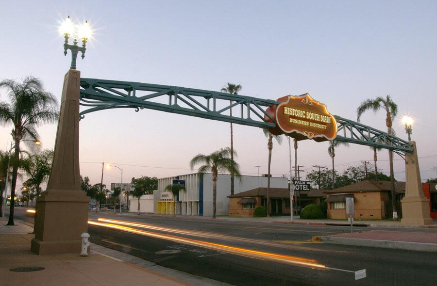 gateway-santa-ana-historic.jpg