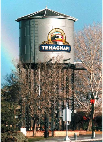 tehachapi_water_tower.jpg