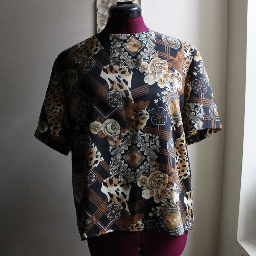 MUST-HAVE BLOUSES
