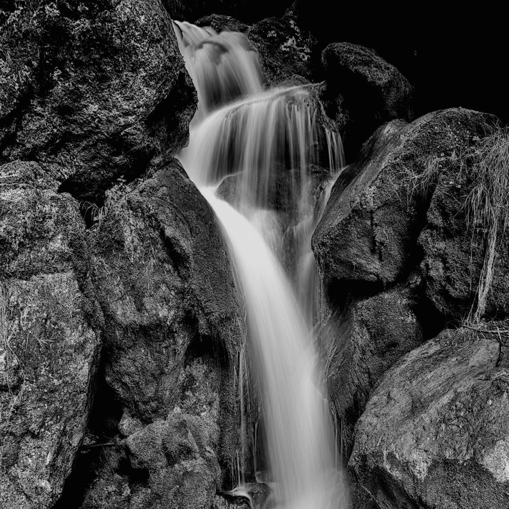 waterfall-black-and-white.jpg