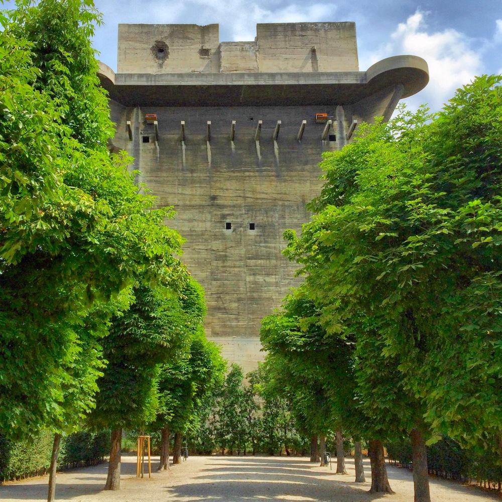 Command Tower; Augarten Vienna; (cc) by-nc-nd Chris Feichtner