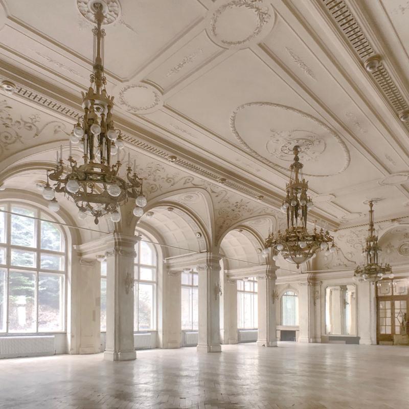 inside-suedbahnhotel-semmering-ballroom.jpg