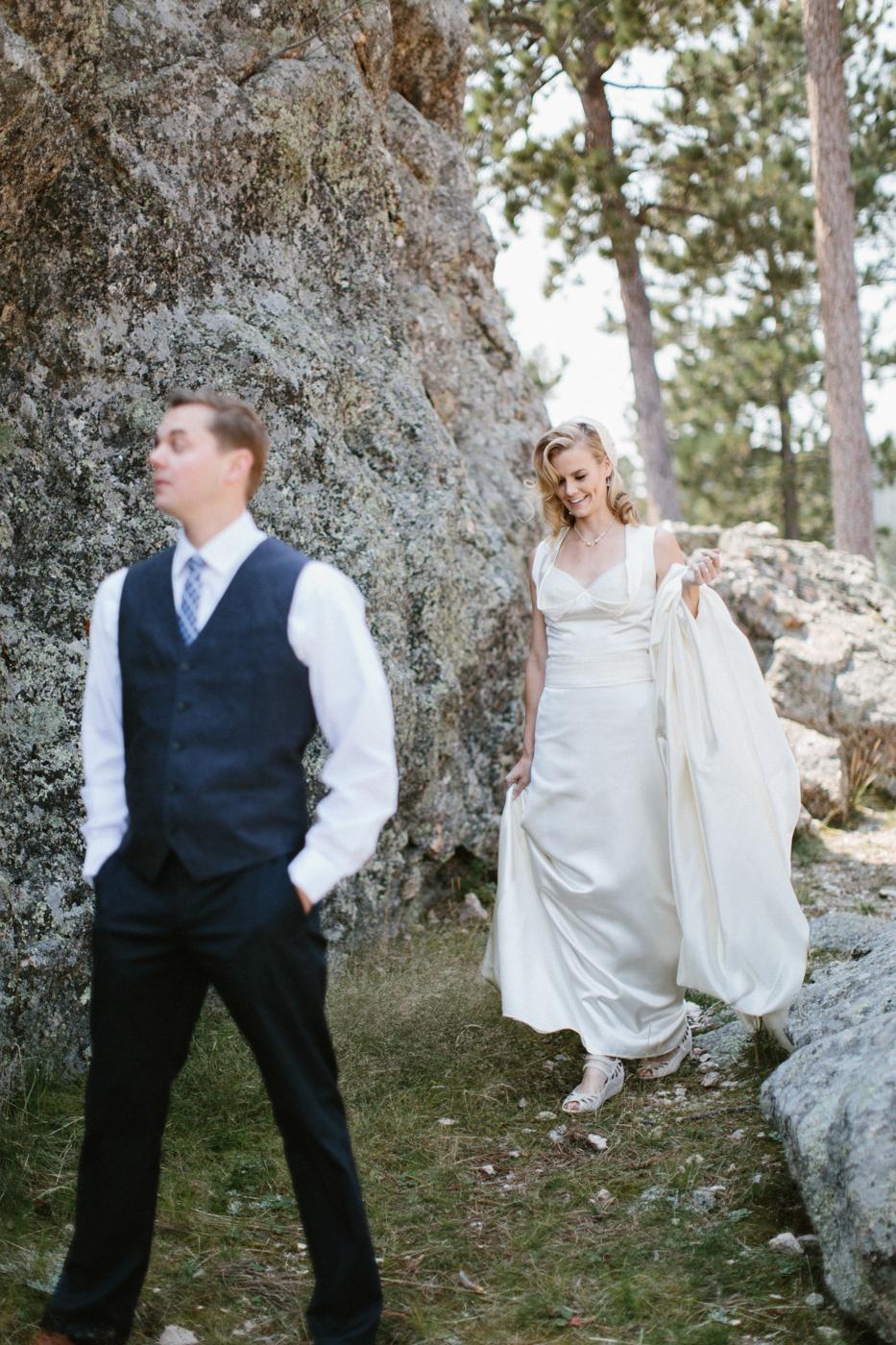 SouthDakota-Iowa-Destination-Wedding-Photographer_023.jpg
