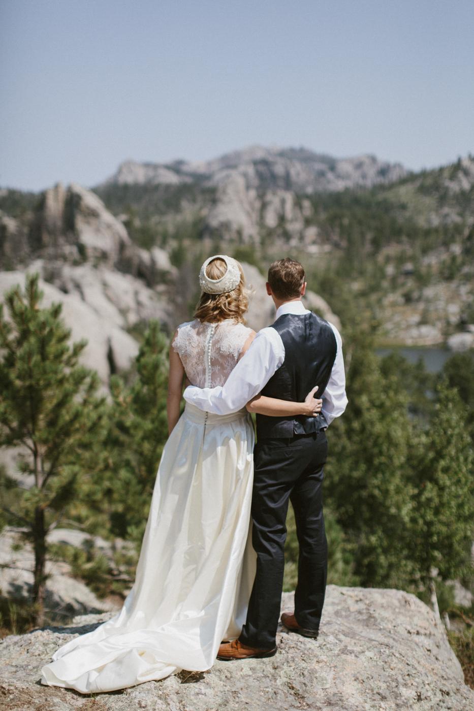 SouthDakota-Iowa-Destination-Wedding-Photographer_039.jpg