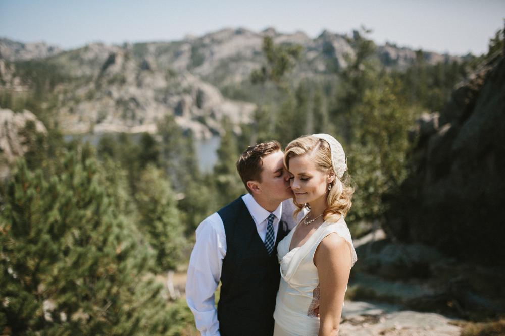 SouthDakota-Iowa-Destination-Wedding-Photographer_042.jpg