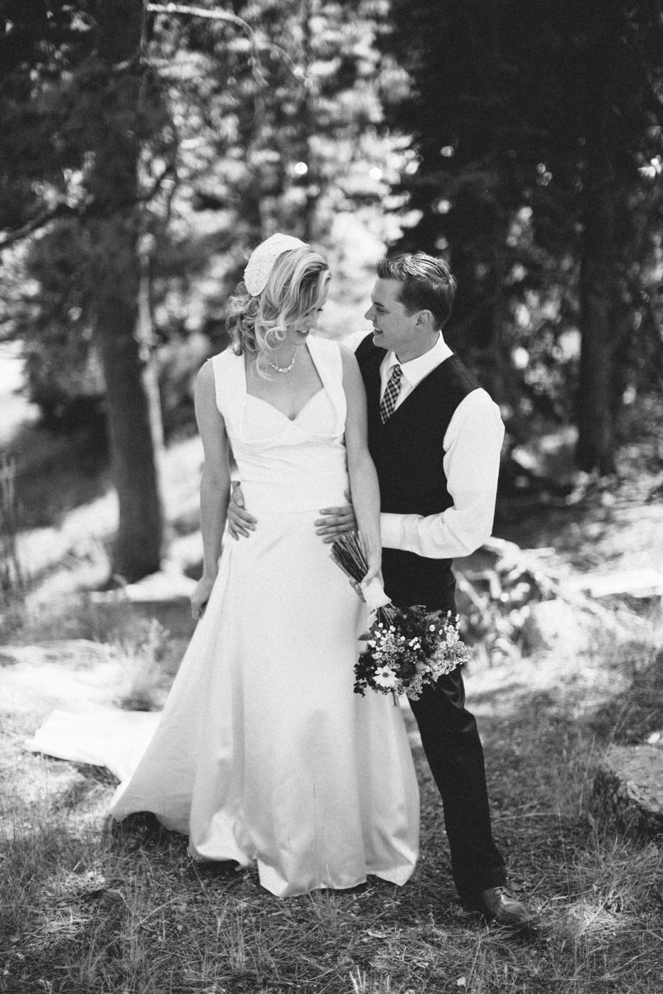 SouthDakota-Iowa-Destination-Wedding-Photographer_049.jpg