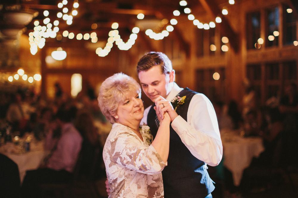 SouthDakota-Iowa-Destination-Wedding-Photographer_124.jpg