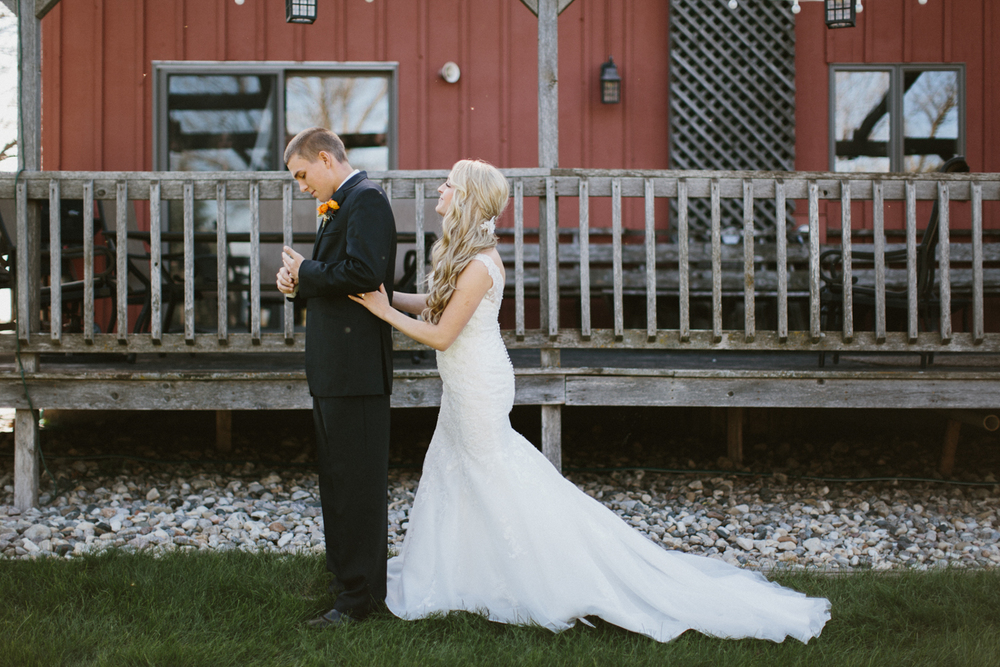 SiouxFalls_DesMoines_Wedding_Photographer_03.jpg