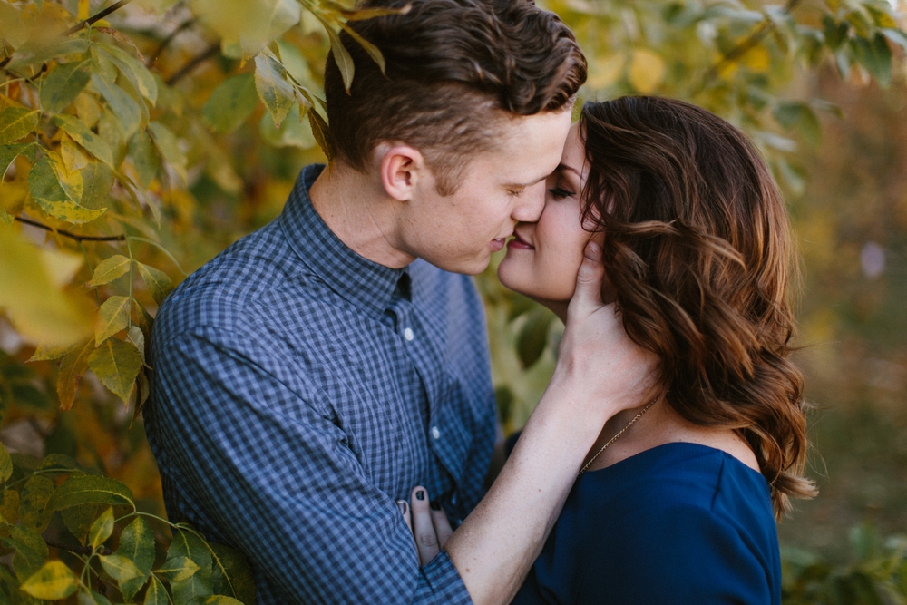 SiouxFalls_DesMoines_Wedding_Engagement_Photographer_21.jpg