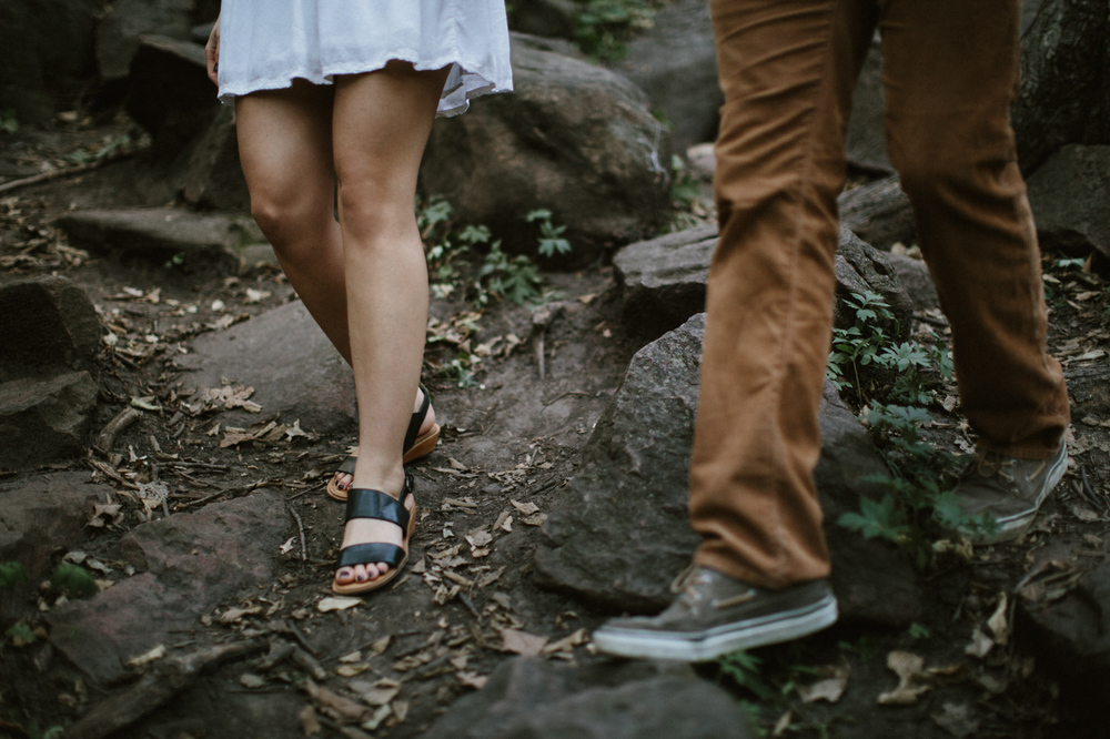 Sioux_Falls_Des_Moines_Engagement_Wedding_Photographer_02.jpg