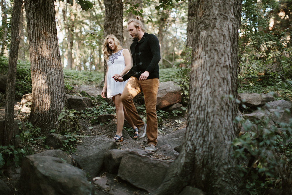 Sioux_Falls_Des_Moines_Engagement_Wedding_Photographer_01.jpg