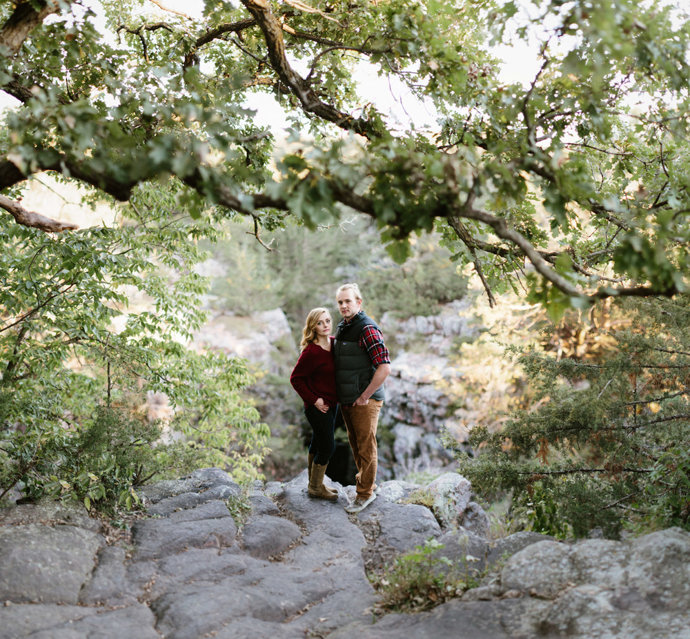 Sioux_Falls_Des_Moines_Engagement_Wedding_Photographer_30.jpg