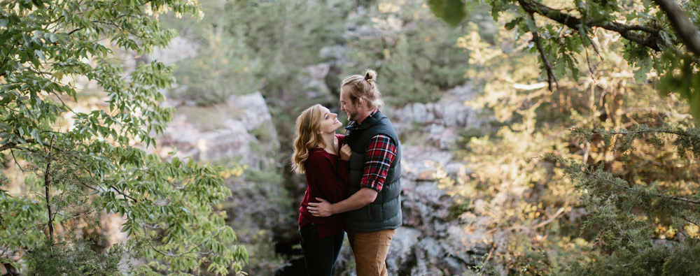 Sioux_Falls_Des_Moines_Engagement_Wedding_Photographer_38.jpg