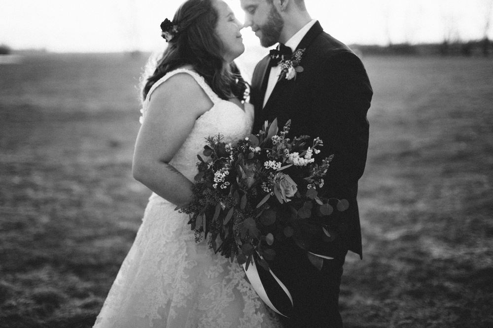 Matt&Amanda_SiouxFalls_DesMoines_Wedding_Photographer_18.jpg