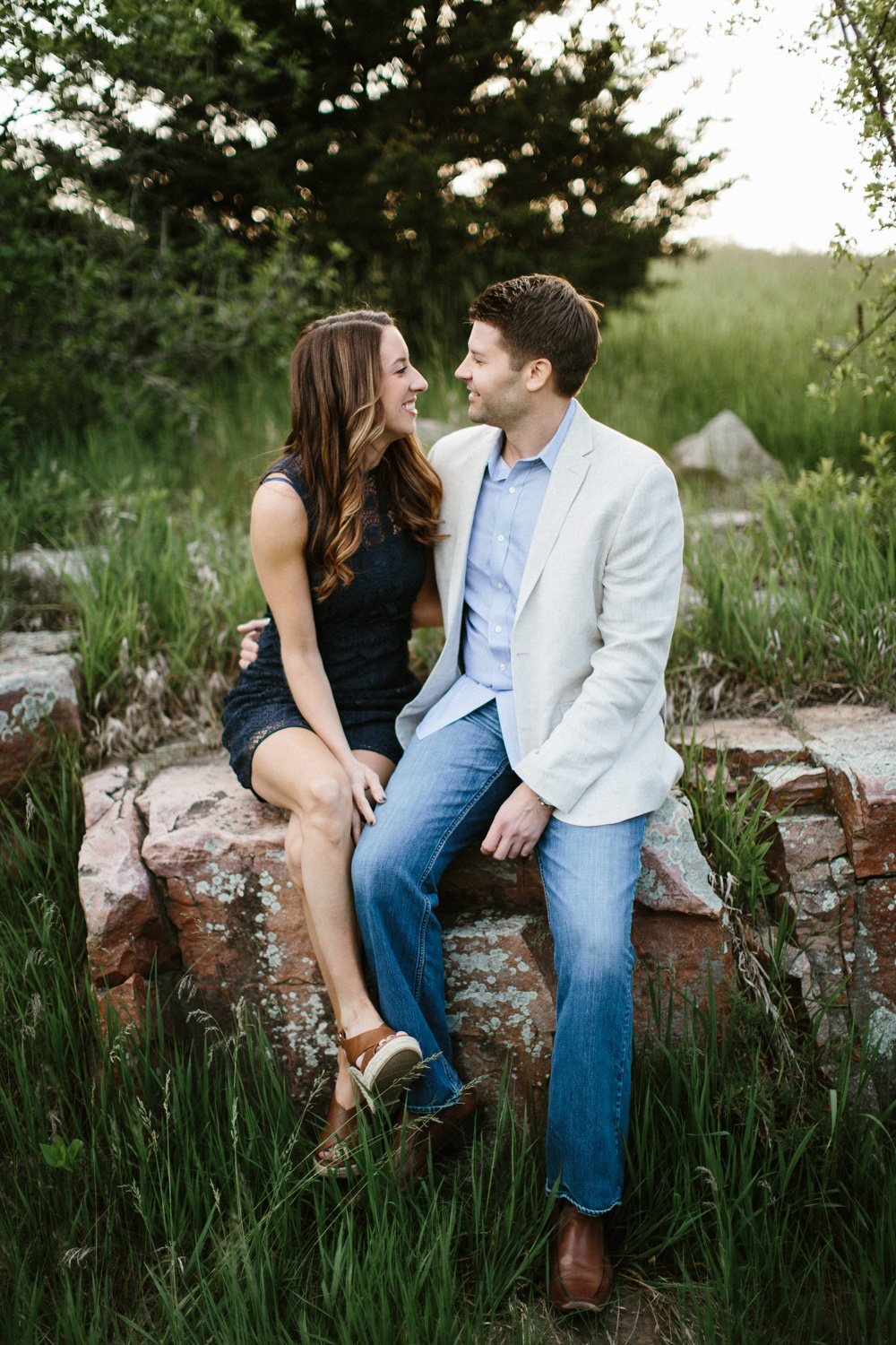 Des_Moines_Sioux_Falls_Wedding_Photographer_Renae&Adam24.jpg