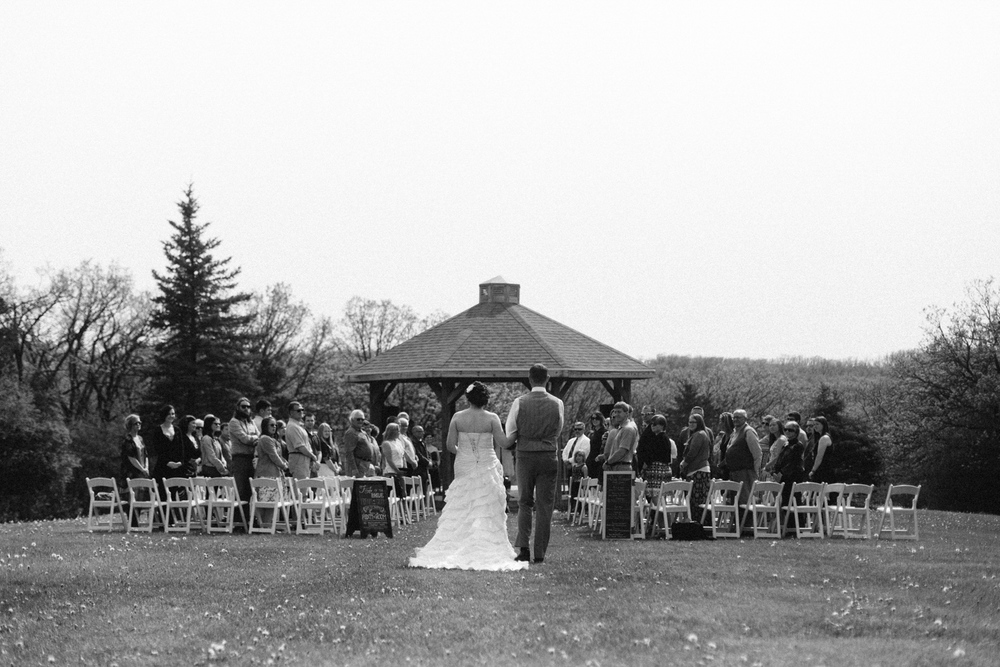DesMoines_Wedding_Photographer_Spencer&Amanda_063.jpg