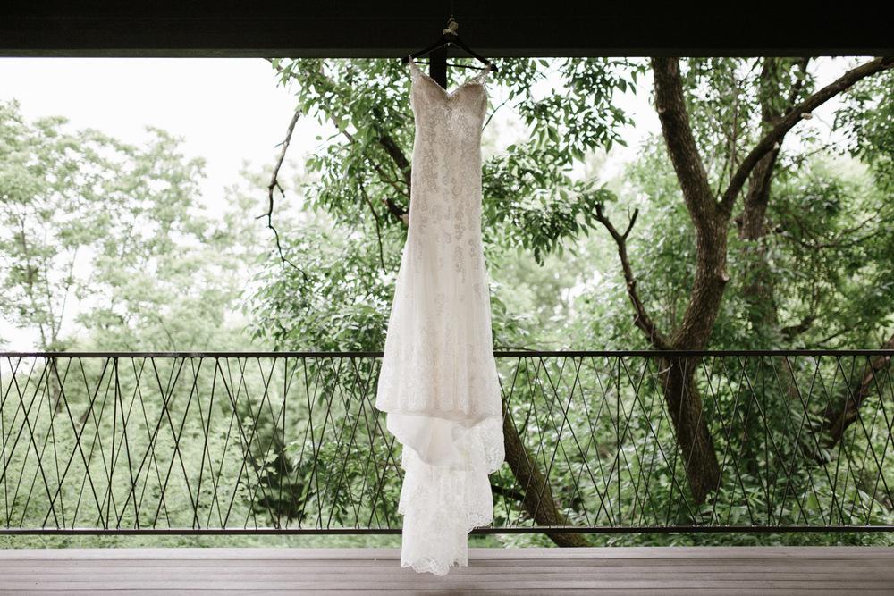 Outdoor_Wedding_SiouxFalls_MaryJoWegnerArboretum_Photographer_Calli&Jon_002.jpg