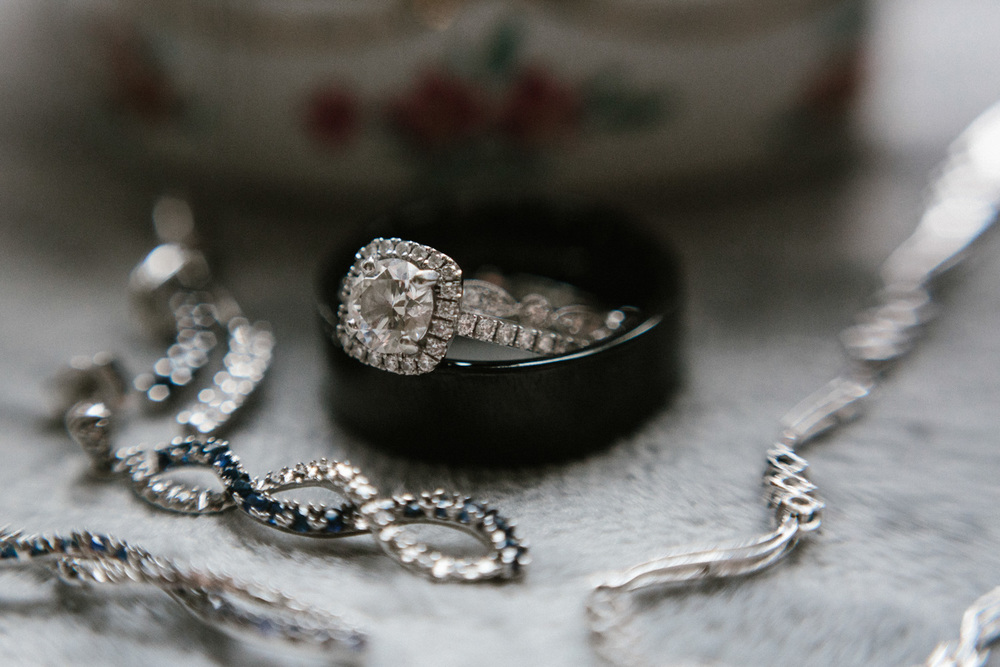 Outdoor_Wedding_SiouxFalls_MaryJoWegnerArboretum_Photographer_Calli&Jon_013.jpg