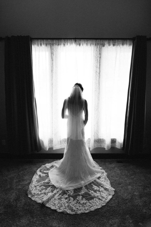 Outdoor_Wedding_SiouxFalls_MaryJoWegnerArboretum_Photographer_Calli&Jon_022.jpg