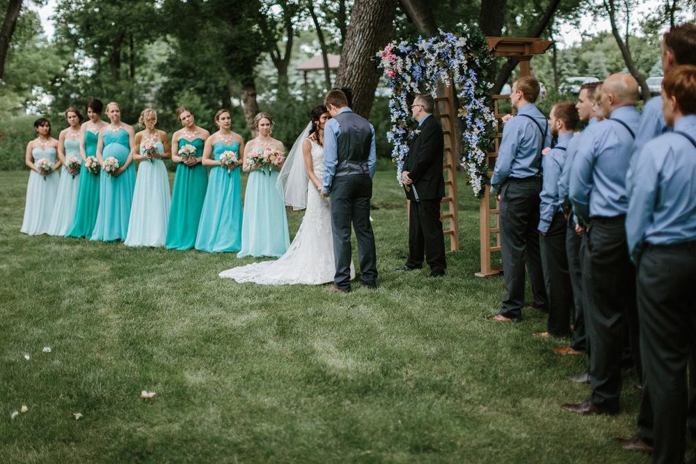 Outdoor_Wedding_SiouxFalls_MaryJoWegnerArboretum_Photographer_Calli&Jon_080.jpg