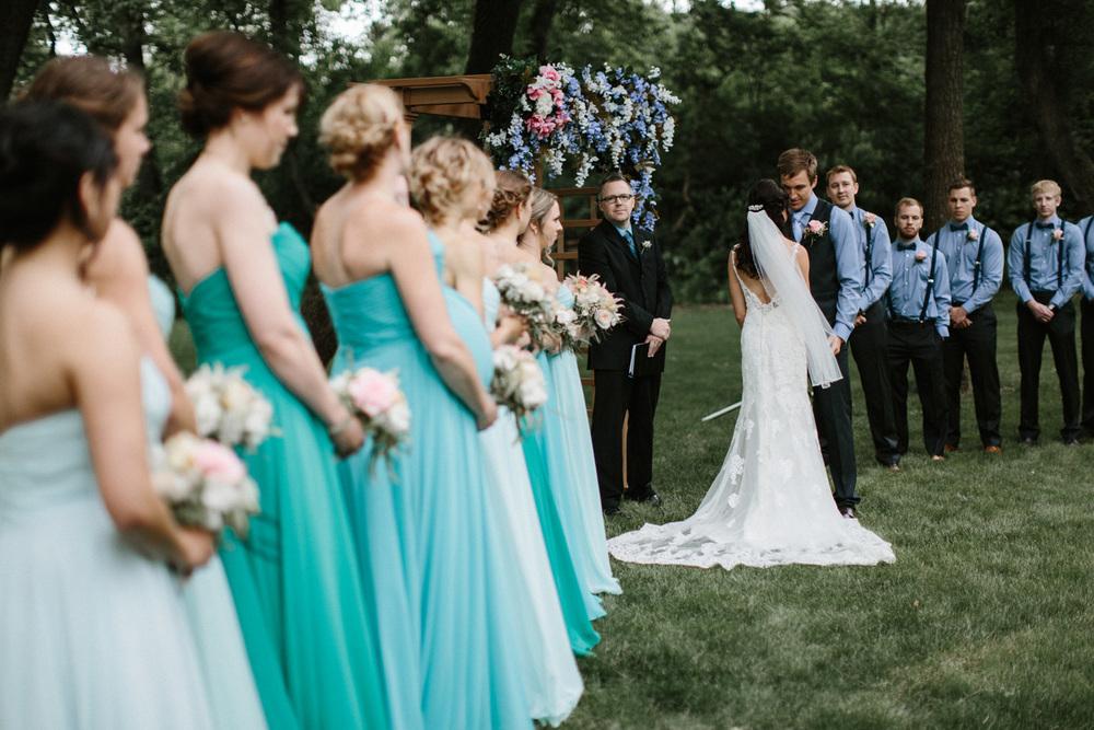 Outdoor_Wedding_SiouxFalls_MaryJoWegnerArboretum_Photographer_Calli&Jon_083.jpg