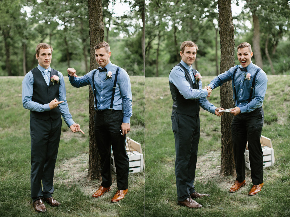 Outdoor_Wedding_SiouxFalls_MaryJoWegnerArboretum_Photographer_Calli&Jon_100.jpg
