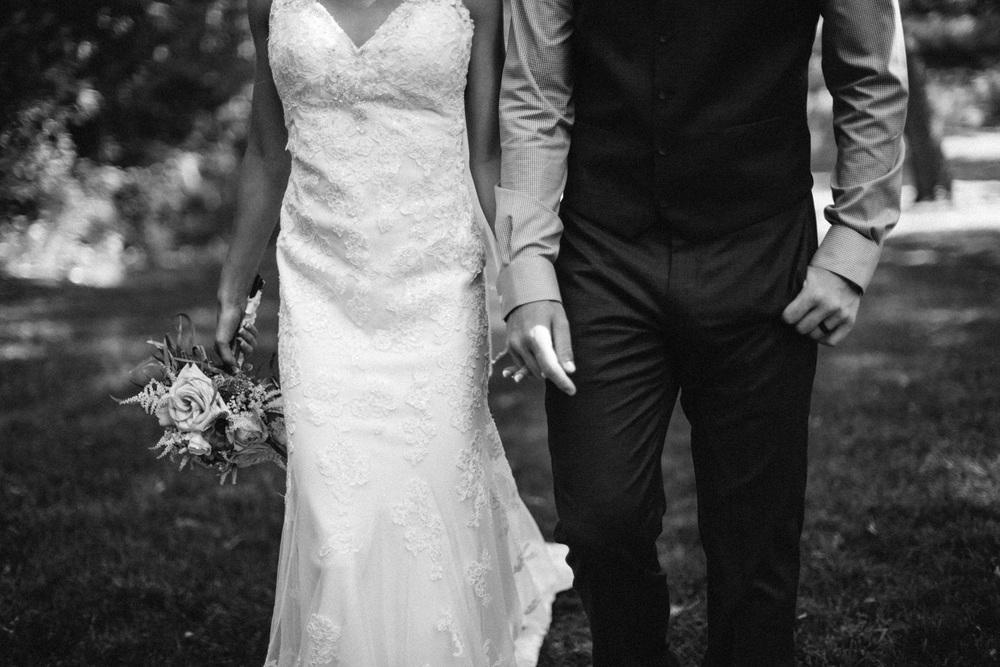 Outdoor_Wedding_SiouxFalls_MaryJoWegnerArboretum_Photographer_Calli&Jon_108.jpg