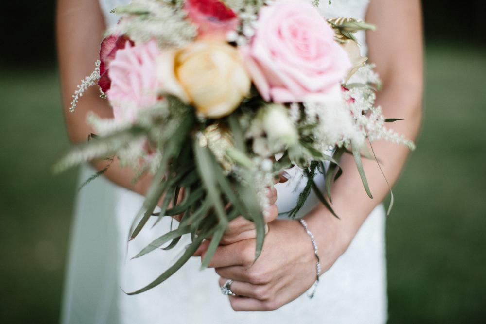 Outdoor_Wedding_SiouxFalls_MaryJoWegnerArboretum_Photographer_Calli&Jon_111.jpg