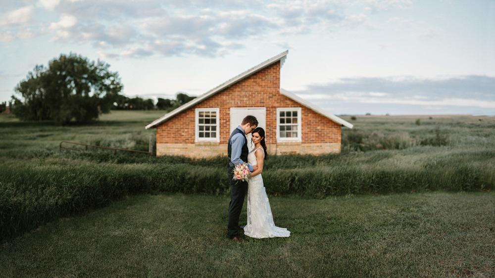 Outdoor_Wedding_SiouxFalls_MaryJoWegnerArboretum_Photographer_Calli&Jon_131.jpg