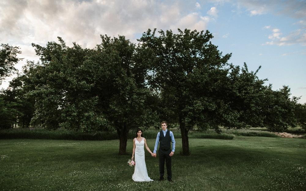 Outdoor_Wedding_SiouxFalls_MaryJoWegnerArboretum_Photographer_Calli&Jon_137.jpg