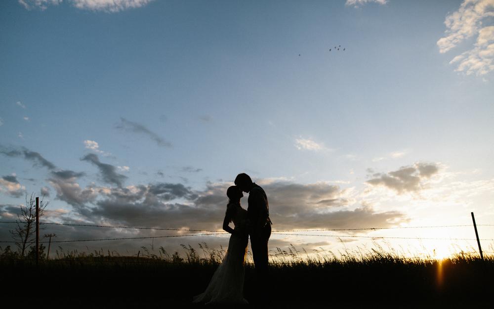 Outdoor_Wedding_SiouxFalls_MaryJoWegnerArboretum_Photographer_Calli&Jon_136.jpg