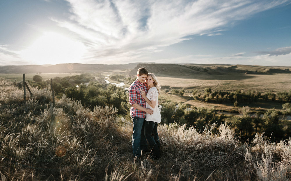 SiouxFalls_BlackHills_Adventure_Engagement_Wedding_Photographer_16.jpg