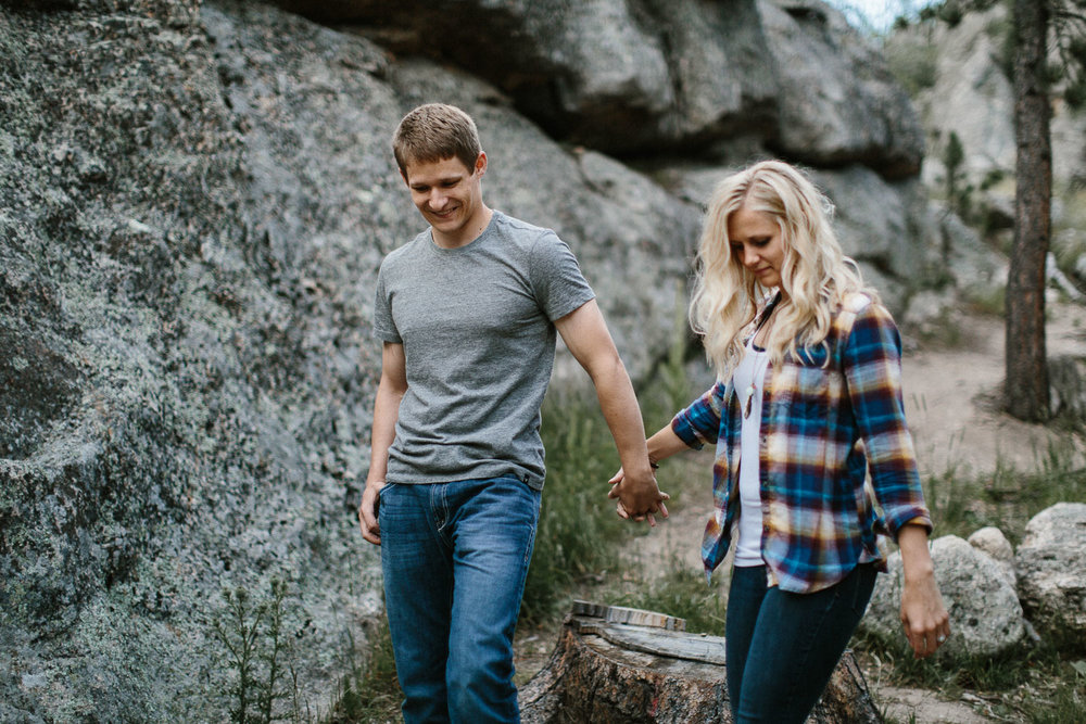 SiouxFalls_BlackHills_Adventure_Engagement_Wedding_Photographer_54.jpg