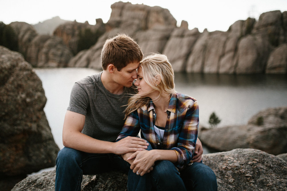 SiouxFalls_BlackHills_Adventure_Engagement_Wedding_Photographer_57.jpg
