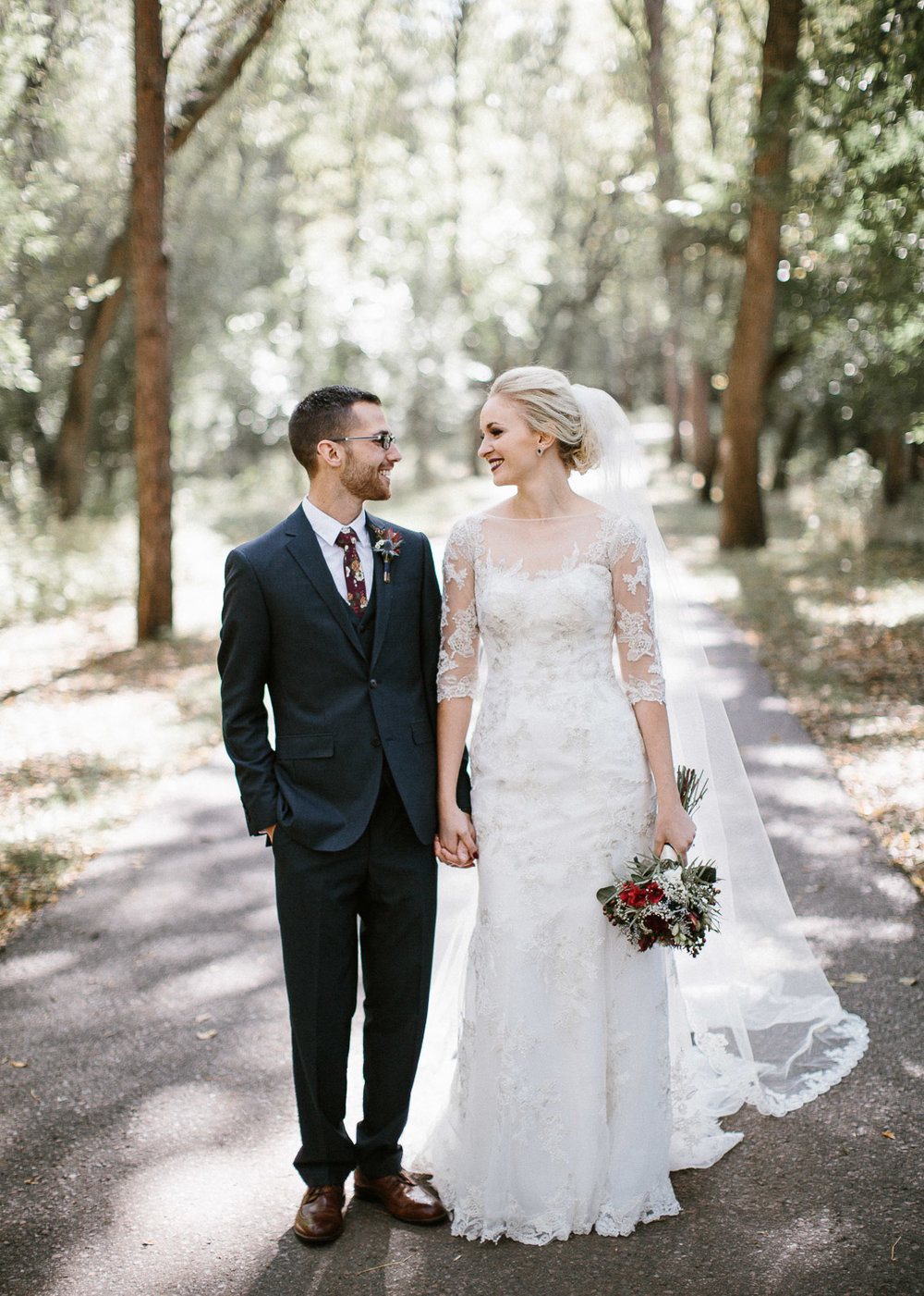 Jenna&Austin_SiouxFalls_Wedding_Photography_14.jpg