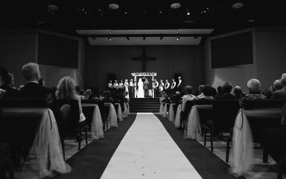 Jenna&Austin_SiouxFalls_Wedding_Photography_28.jpg