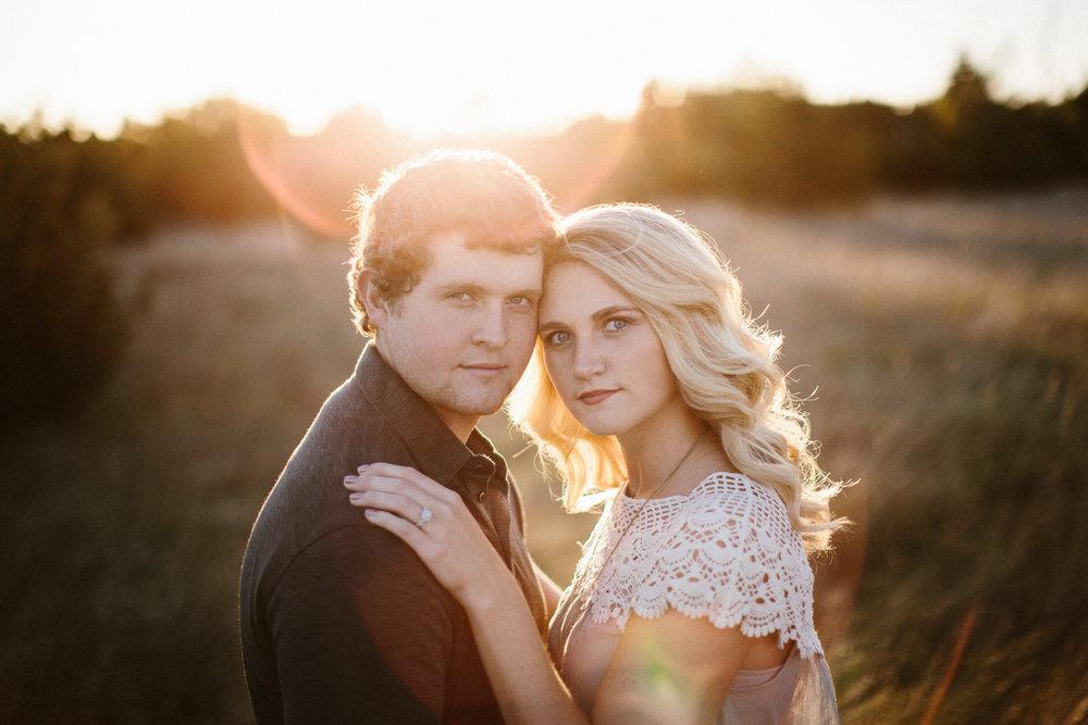 Maddie&Blake_SiouxFalls_Engagement_Wedding_Photographer_23.jpg