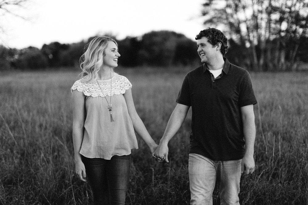 Maddie&Blake_SiouxFalls_Engagement_Wedding_Photographer_34.jpg