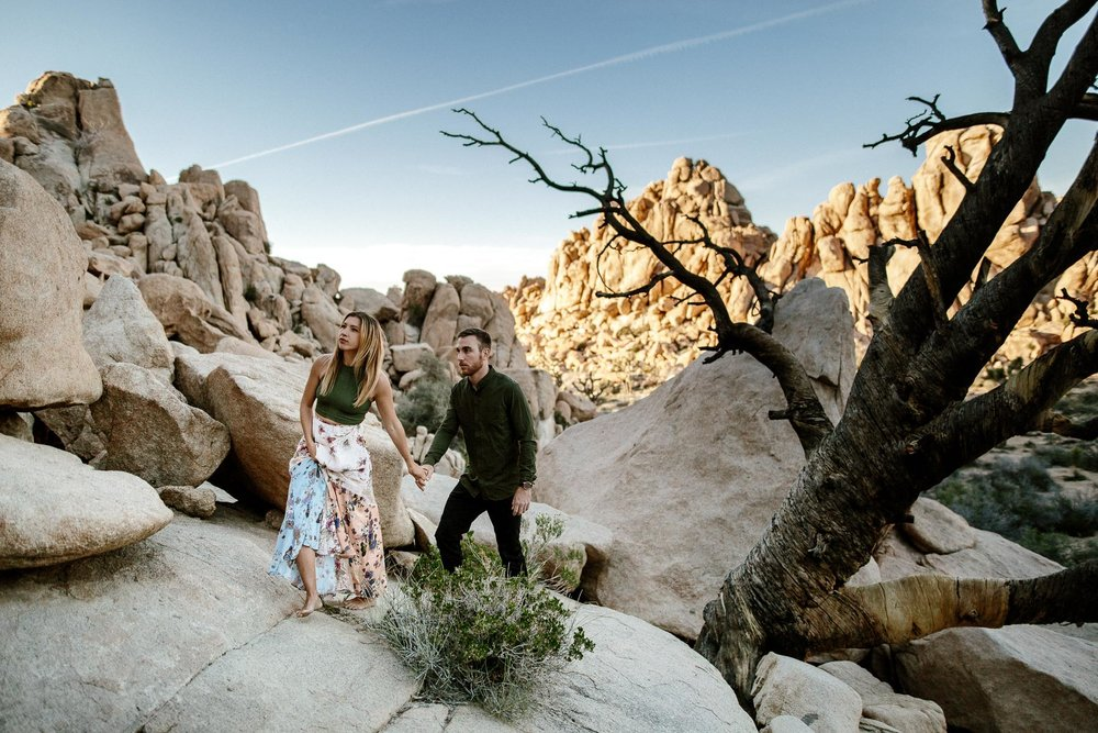 Joshua_Tree_Engagement_Wedding_Elopement_Photogapher_50.jpg