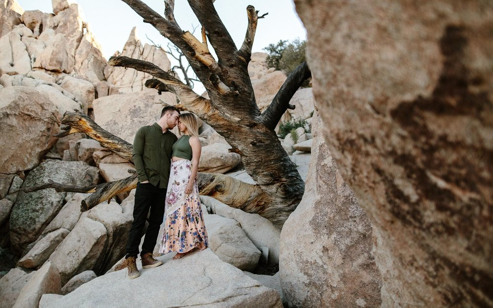 Joshua_Tree_Engagement_Wedding_Elopement_Photogapher_55.jpg