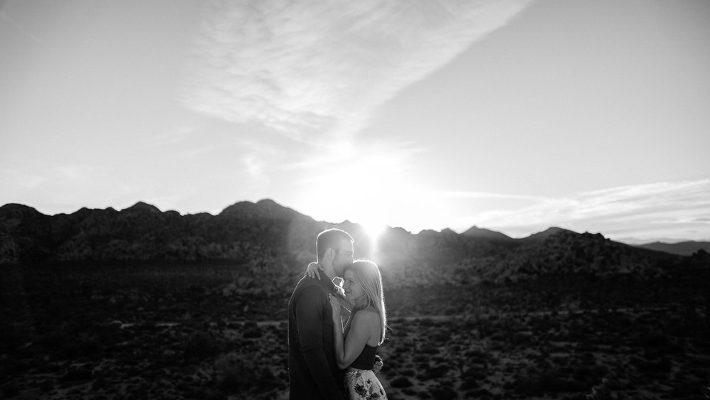 Joshua_Tree_Engagement_Wedding_Elopement_Photogapher_61.jpg