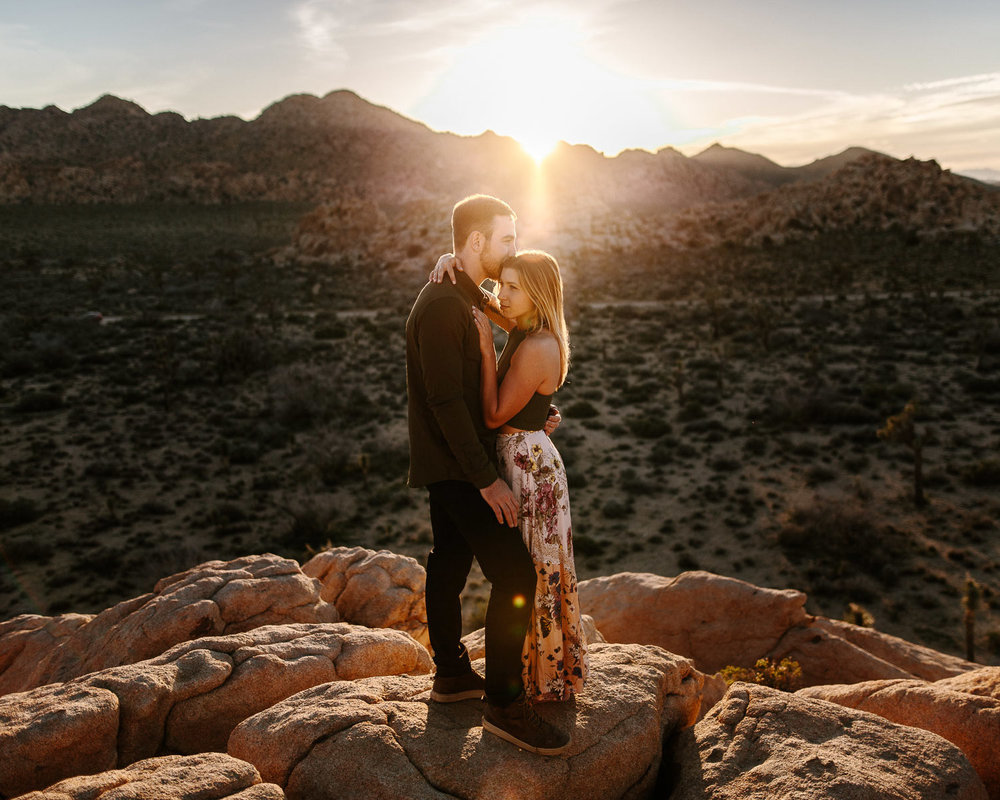 Joshua_Tree_Engagement_Wedding_Elopement_Photogapher_63.jpg